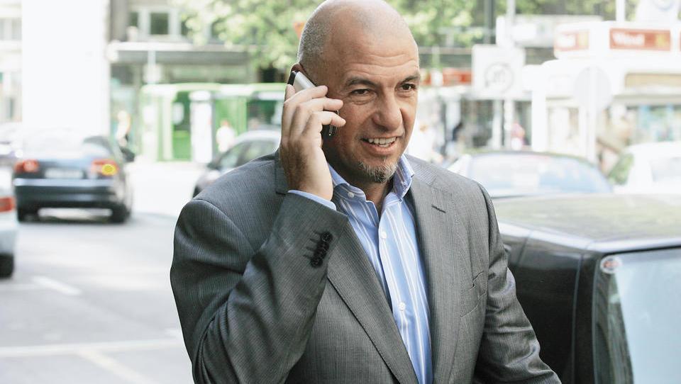 Tik pred koncem leta je NLB prodala terjatve do Tuša. Kdo je zdaj njegov največji upnik?