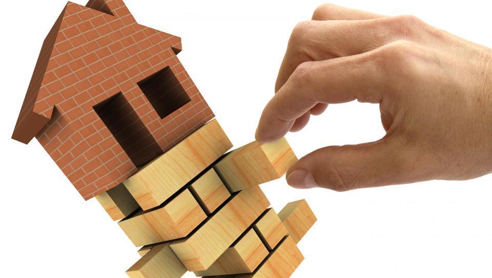 Kaj bo ukrotilo rast cene nepremičnin?