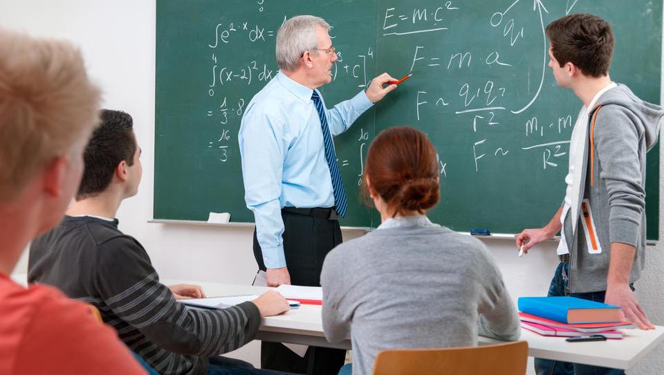 (seznam) Šole, ki nudijo finančno opismenjevanje mladih