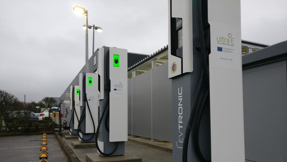 Šest bilijonov dolarjev težka ovira za razcvet električnih avtomobilov