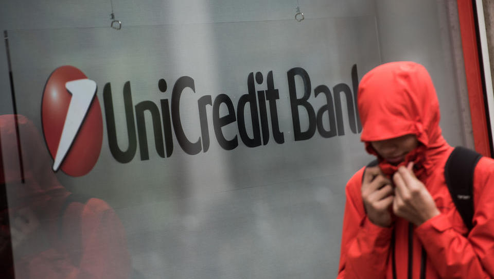 Unicredit uvaja ležarine za premožnejše fizične osebe. Za zdaj v Italiji