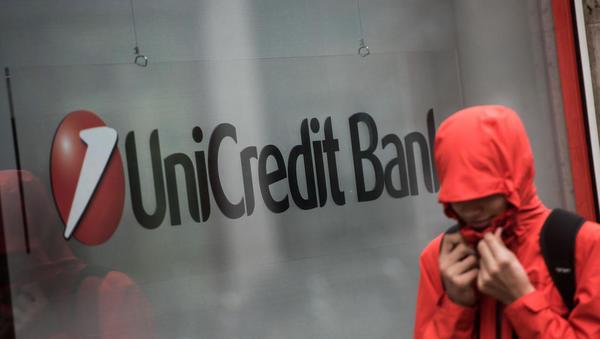 Bloomberg: Unicredit bi lahko odpustila do 10 tisoč zaposlenih