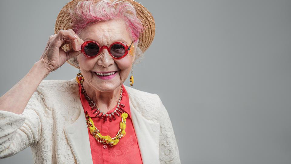 'Babica me sprašuje, kaj naj z denarjem, pa ji ne znam odgovoriti'