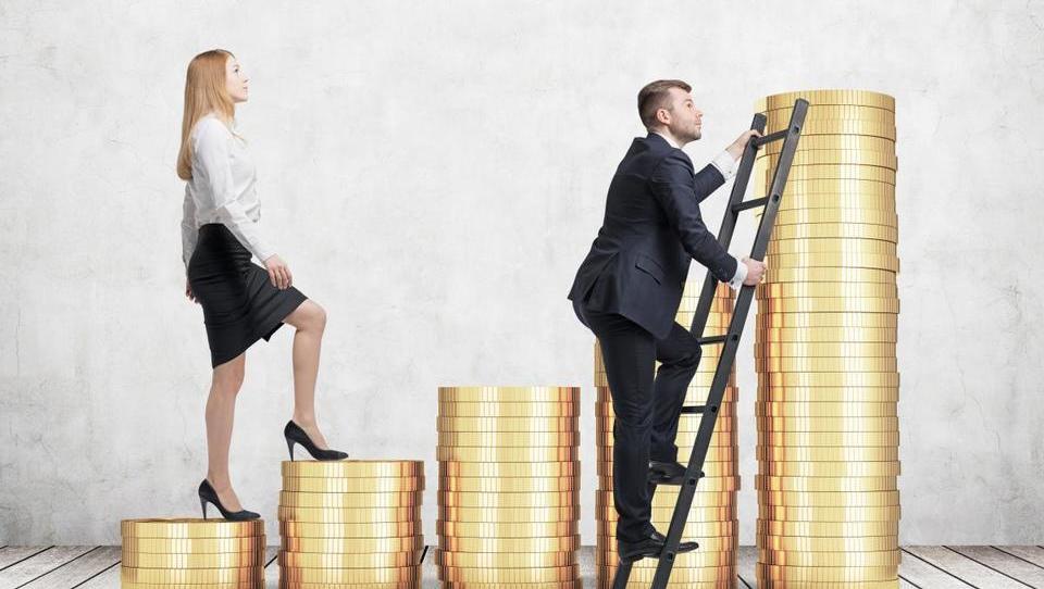 Britanci razkrili plače: razlika med plačami moških in žensk tudi 36 odstotkov