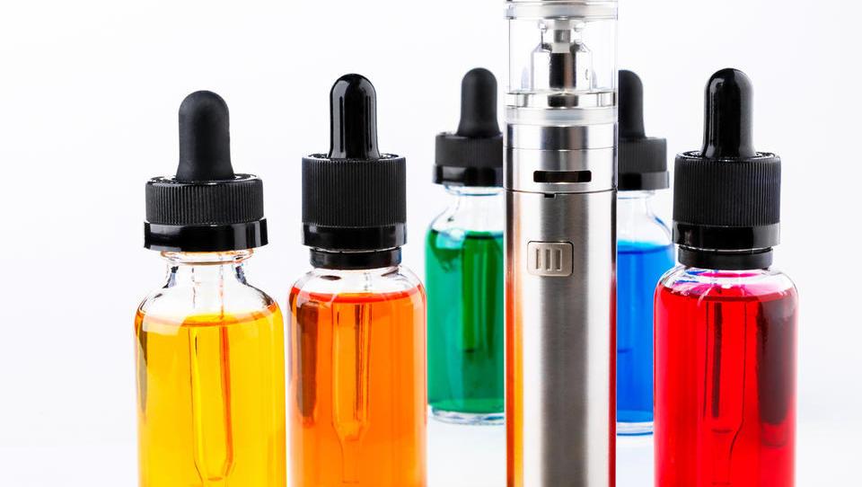 (Kardiologija) E-cigarete potencialno tvegane tudi za srčno-žilni sistem