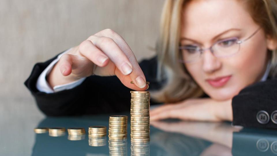 Potrošniki bolj optimistični, a ob višjem regresu ne bi več zapravljali, ampak več varčevali