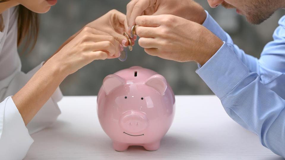 Z varčevanjem do nižje dohodnine