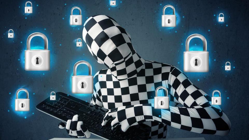 Kako bi Tim Cook rešil našo zasebnost in kako jo rešujemo sami