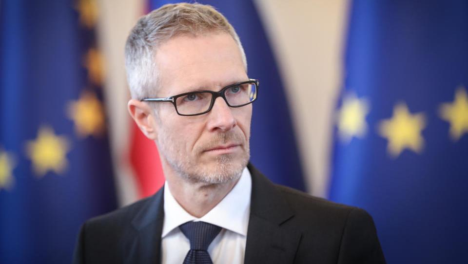 Guverner Vasle: za uspešen spopad s krizo je ključen hiter odziv fiskalne politike