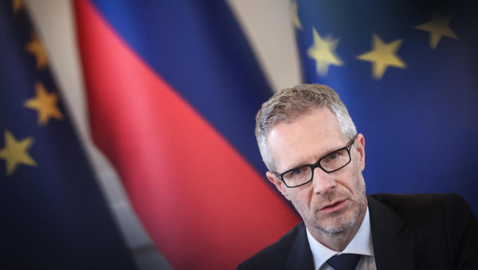 Vasle piše Šarcu: predlog morebitnega poplačila izbrisancev je slab