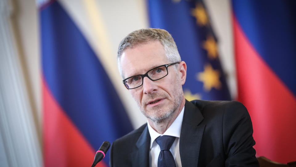 Boštjan Vasle danes začenja šestletni mandat guvernerja Banke Slovenije - kdo je in kaj bo počel