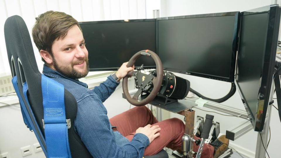 NERVteh simulator vožnje prodaja od Katarja do ZDA