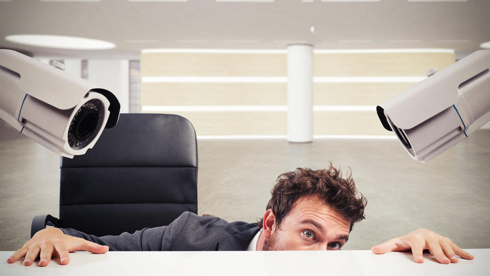 Vse več videonadzora na delovnem mestu - kaj smete in česa ne