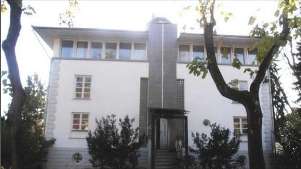 Tudi druga vila družine Ivanjko ima novega lastnika, kupila jo je Sberbank