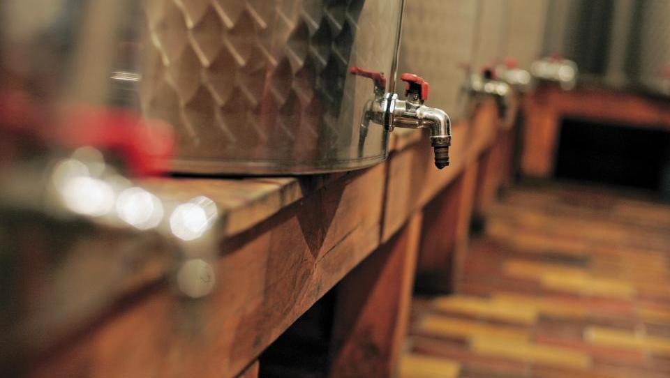 Kako je davkarjem vino zmešalo glave