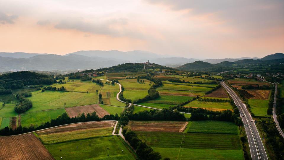 Mlinotest spodbuja vipavske kmete, da sejejo več koruze poltrdinke