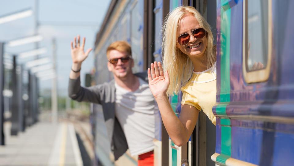 Z letalom, vlakom ali avtobusom? Takšne so cene vozovnic do velikih evropskih mest