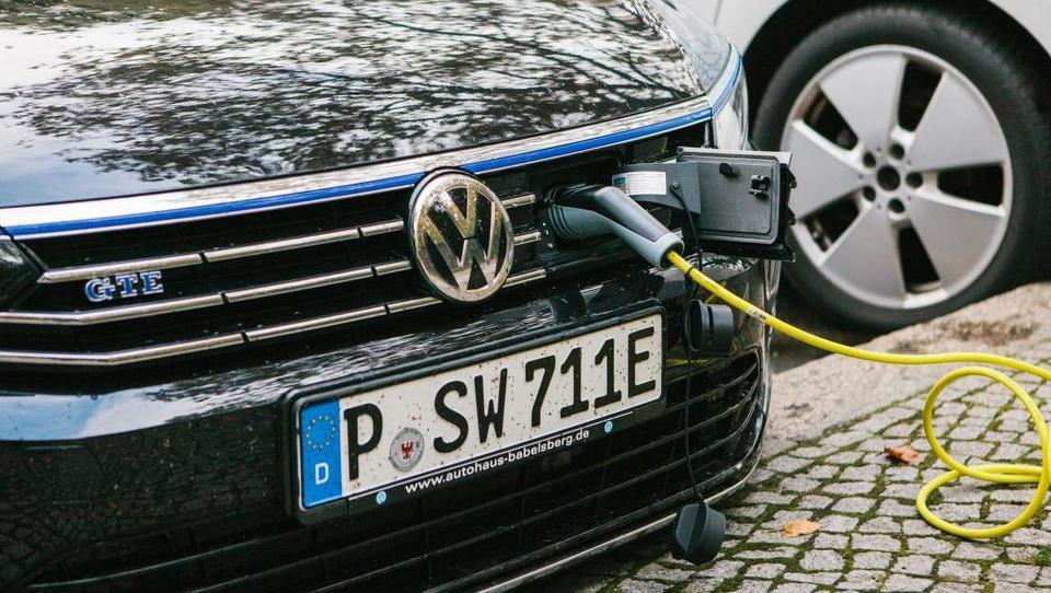 Zakaj se podjetjem bolj splača kupiti star dizel kot nov okolju prijazen avto?
