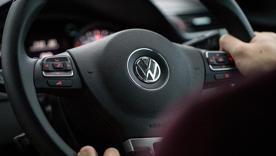 VW se je s poravnavo v zadnjem hipu izognil sodbi vrhovnega sodišča, a to je objavilo, kaj misli