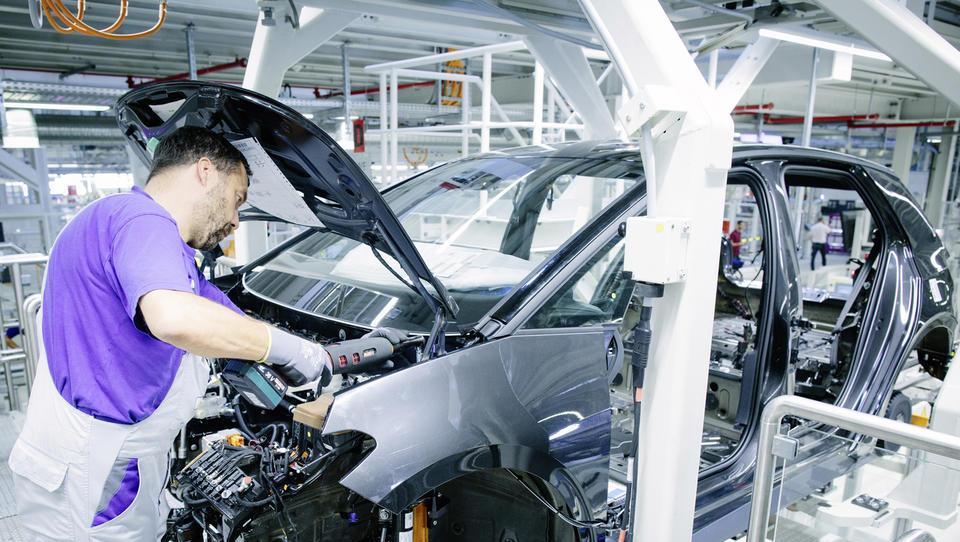 Nemci bodo subvencionirali le nakupe električnih avtov. Kaj to pomeni za naše avtomobiliste?