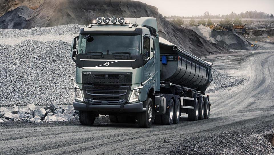 Volvo povečal prodajo in že zapolnil letošnjo knjigo naročil