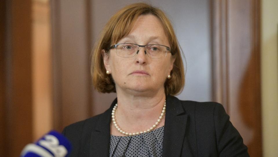 Vraničar Ermanova: Po naših informacijah evropska komisija še ni sprejela formalnega sklepa glede NLB