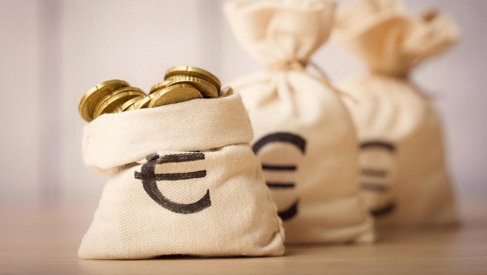 TOP razpisi tega tedna: evropska komisija, zavod za zaposlovanje, občine ...