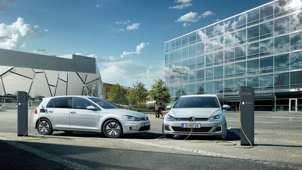 Z elektriko zmanjšajte stroške poslovnega vozila