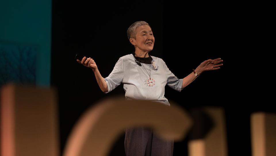 83-letna razvijalka aplikacij, ki jo je sprejel sam Tim Cook