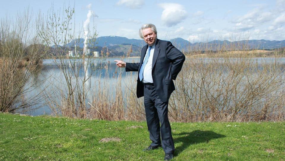 To je britanski producent, ki načrtuje zgraditi hotel na Velenjskem jezeru