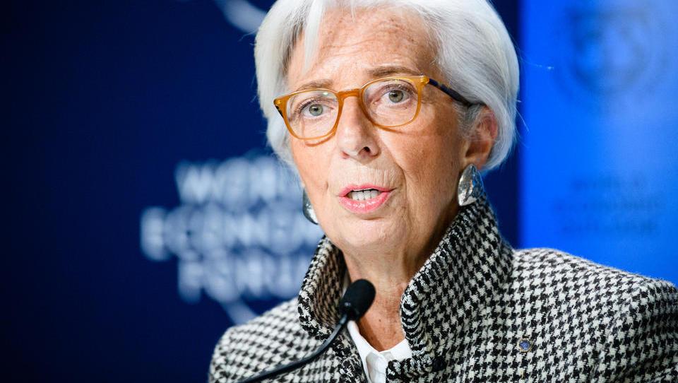 Ali bi Christine Lagarde rada odpravila gotovino?