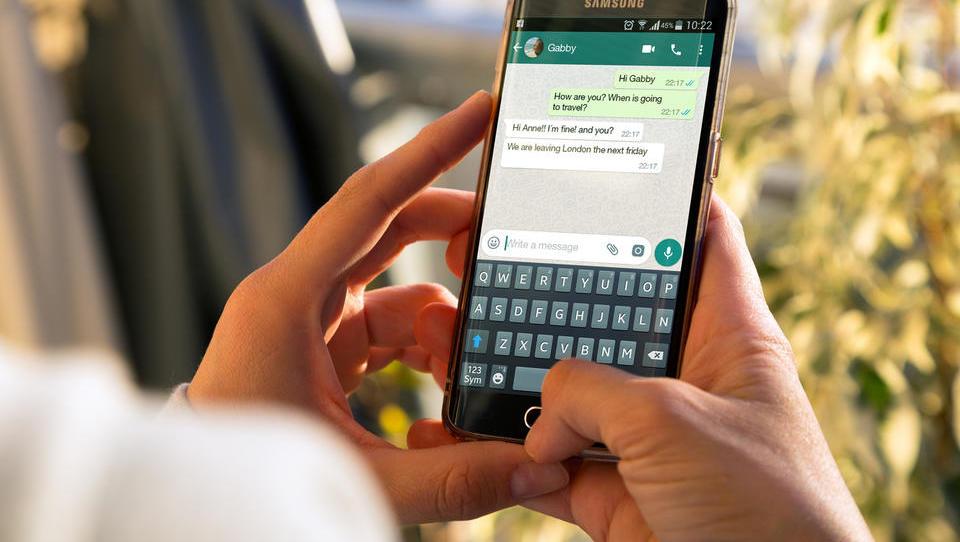 Kako zaščititi pametni telefon pred vdori, da ne boste kot Jeff Bezos?