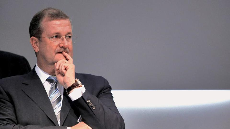 Nekdanji nadzorniki Porscheja ušli kazni, vrhovna člana uprave še na tnalu