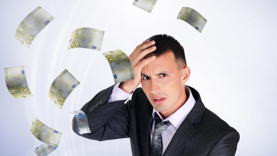 Furs odgovarja: kako izplačate marčevsko plačo, kako so obdavčena nadomestila, kaj lahko dolgujete državi