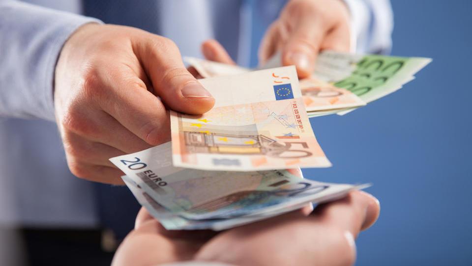 Kaj dobite od nepremičninskega posrednika za plačilo provizije?