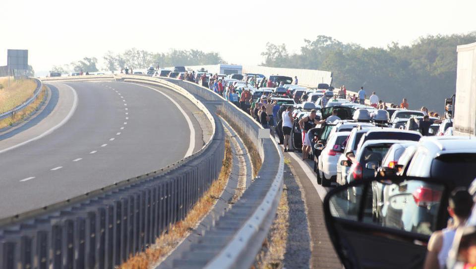 Za zjokat: po 12 letih uvajanja enotne vozovnice nimamo niti portala z voznimi redi