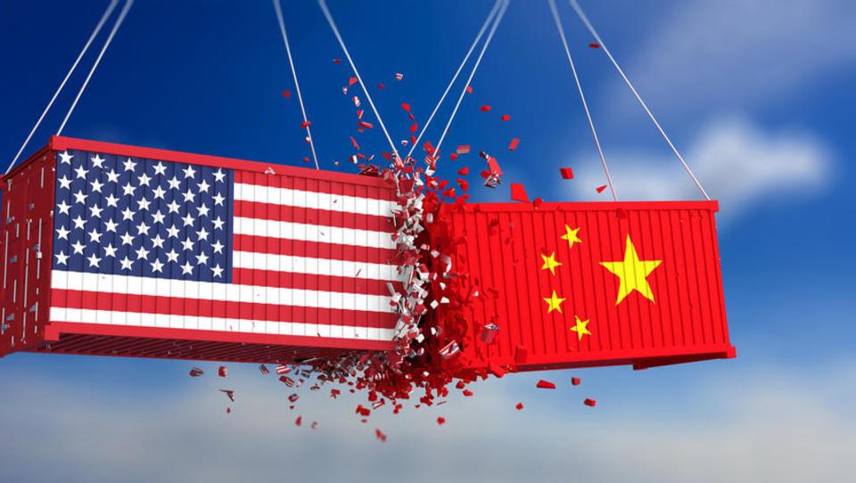 Trump uresničil grožnje: Carine na kitajske izdelke višje