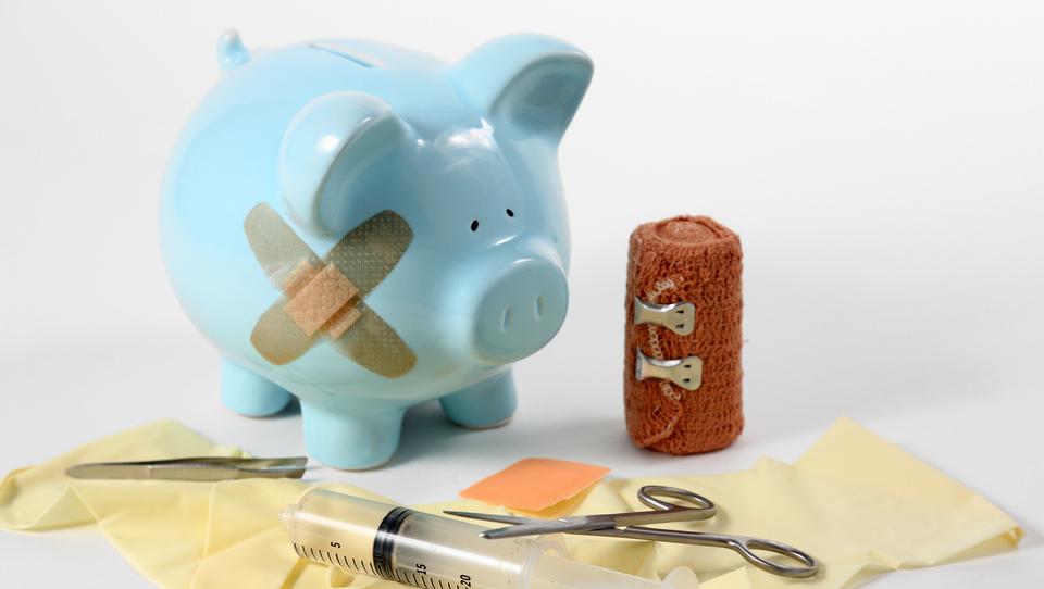 (video) Ali splača prekiniti življenjsko zavarovanje?