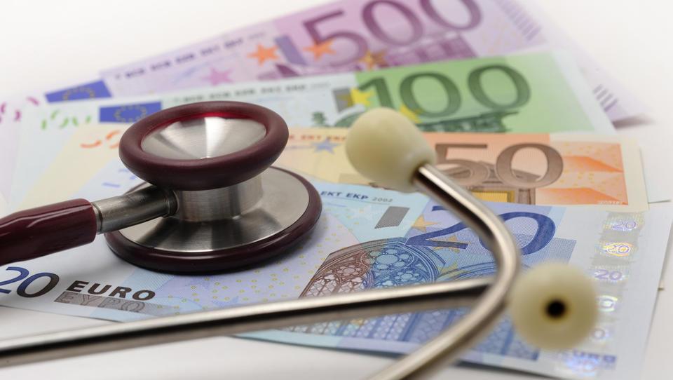 Vzajemna za dobro desetino draži dopolnilno zdravstveno zavarovanje