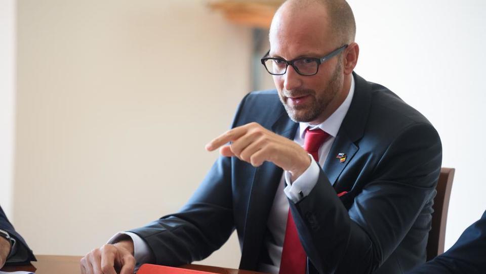 Boj za vilo v Trnovem gre dalje: Odvetnik Ilić bi razveljavil dražbo