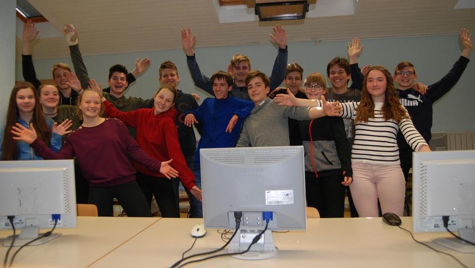 Mladi iz Mosta na Soči zmagali na denarnem kvizu!