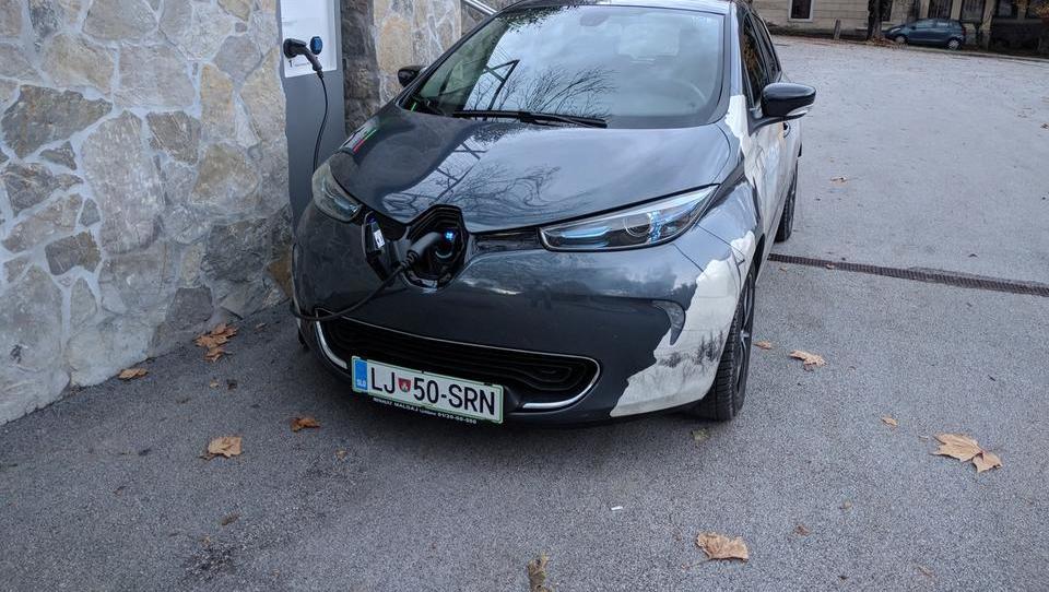 Kako je mogoče preveriti čas registracije (električnega) avta