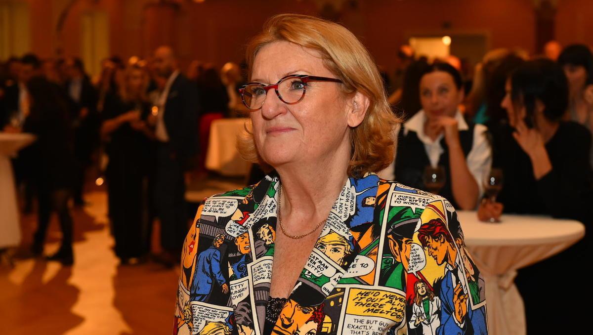 Mira Šemić: Moški imajo prirojeno absolutno vedenje o nogometu, politiki in vinu