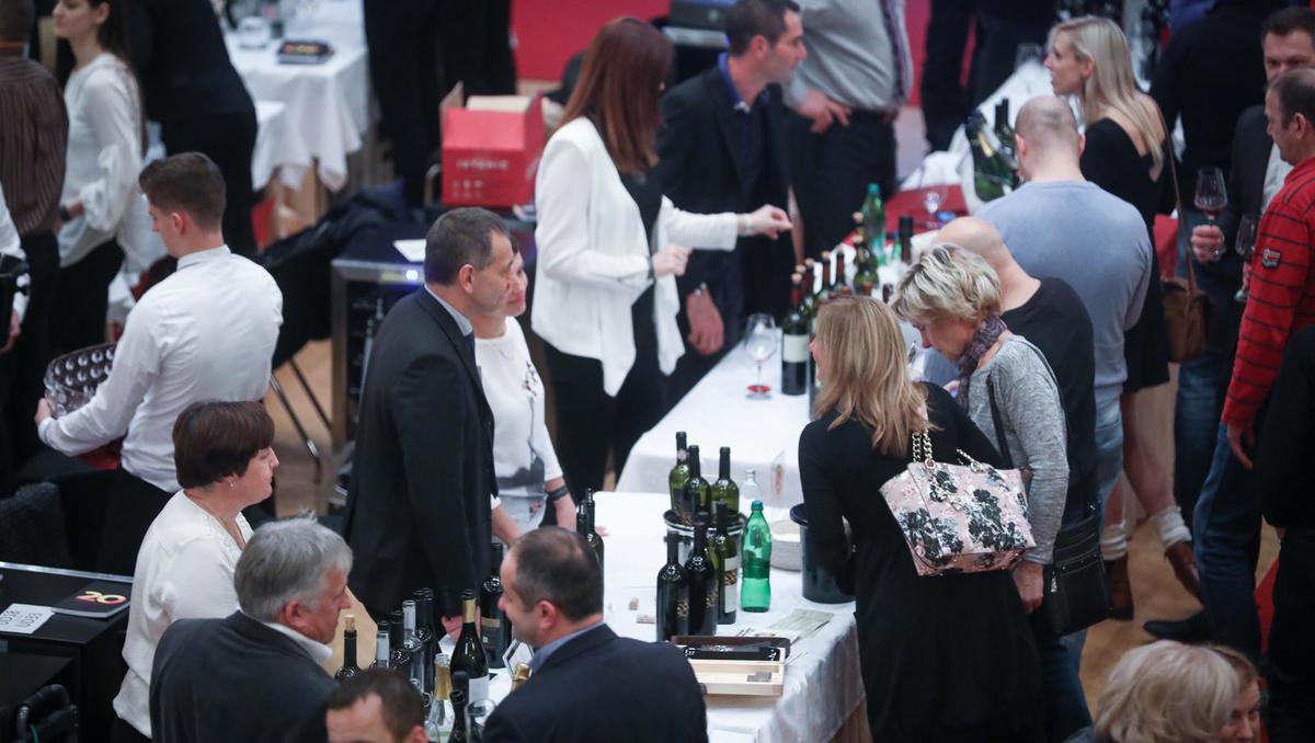 Slovenski festival vin se vrača h koreninam