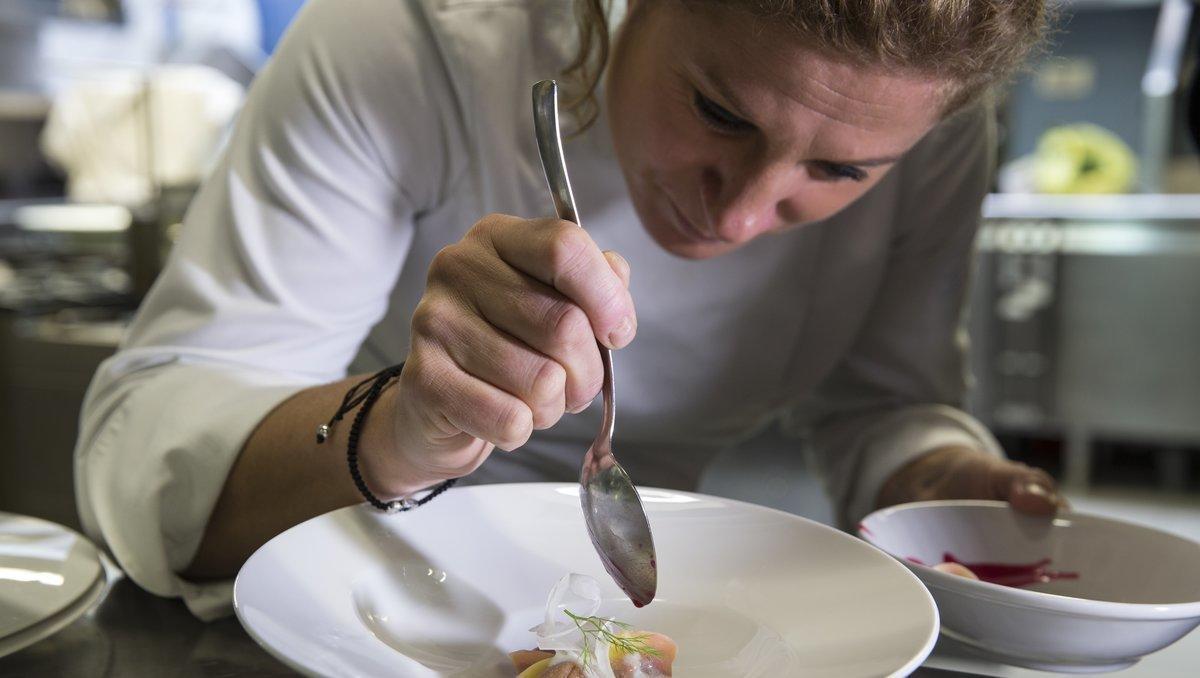 """Slovenijo bodo preplavili """"veliki umi"""" kulinarike, umetnosti in medijskega sveta"""