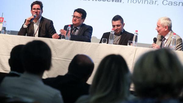 (Belokranjski forum) M. Akrapovič: Hibridni avtomobili bodo potrebovali naše izdelke